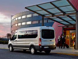 18 személyes minibuszt kínál a Ford