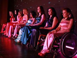 Kerekesszékesek szépségversenyét támogatta a Ford
