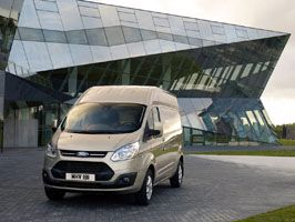 Magasított tetővel is elérhető a Ford Transit Custom!