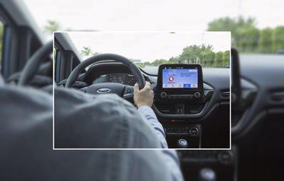 Unod a parkolóhely keresést? A Ford és a Vodafone összehangolt, egymással kommunikáló technológiája biztosan elvezet a szabad helyekhez