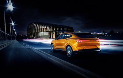 Vibráló izgalom: 2021-től az ikonikus Mustang-színárnyalat, a Cyber Orange