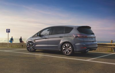 THE OPEN ROAD CALLS - Ford S-MAX