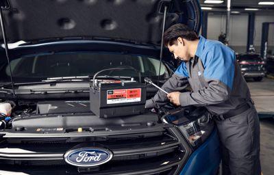 Ford's Car Hacks : Tout ce que vous devez savoir au sujet de l'entretien de la batterie de votre voiture