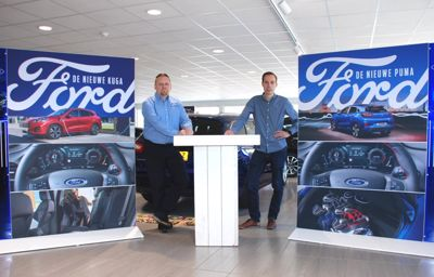 Niels en Niels staan hun mannetje bij Ford Van Dijk/Schouten