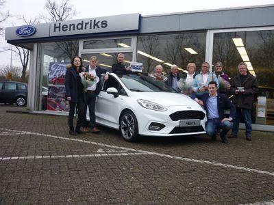 Gerritse Hendriks feliciteert winnaars Ford VIP Event