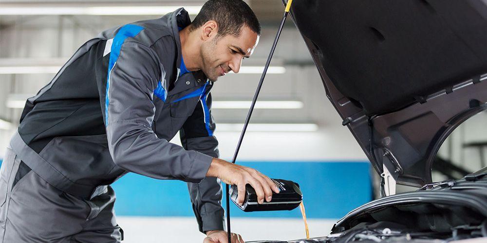 Auto Service door onze door Ford getrainde monteurs
