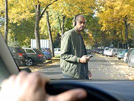 Voetgangers lopen groot risico door gebruik smartphone