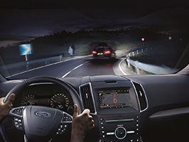 Nieuwe koplampen van Ford voorkomen verblinding van tegemoetkomende bestuurders bij grootlicht
