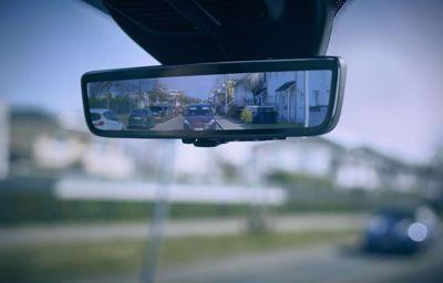 Slimme spiegel biedt bestuurders van bedrijfswagens beter zicht