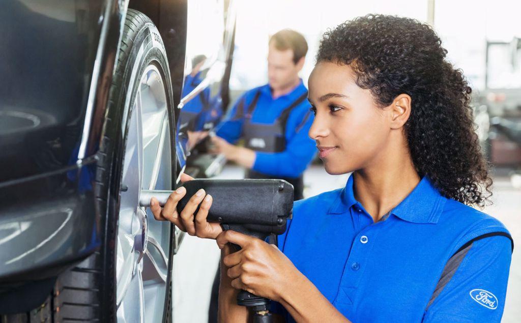 Koop uw banden met Ford Economy Service