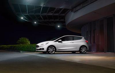 Ford remt automatisch voor voetgangers in het donker