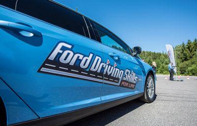 Norgeslansering av unnikt opplæringsprogram for unge sjåfører på Rudskogen