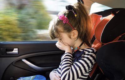 10 minutters skjermtid nok til å bli bilsyk