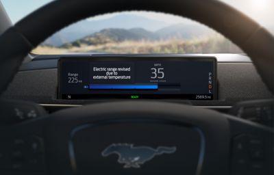 Nye Mustang Mach-E bruker skyløsning for å gi deg et bedre estimat for gjenværende rekkevidde
