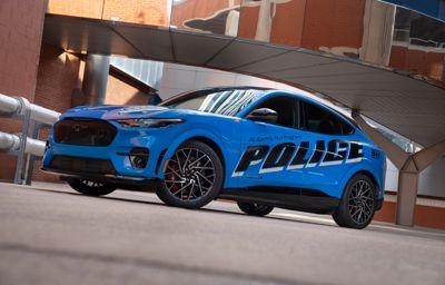 Nye Mustang Mach-E første elbil som består krevende politibiltest i USA