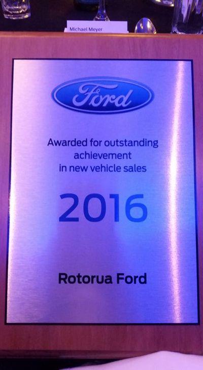 Rotorua Ford receives award