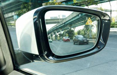 Martwy punkt - technologie zwiększające bezpieczeństwo na drodze
