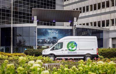 Ford zapowiada europejski program testów nowego, w pełni elektrycznego samochodu dostawczego E-Transit, przeprowadzanych przez klientów