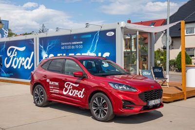 Letni Salon Forda w Porcie Jastarnia już otwarty!