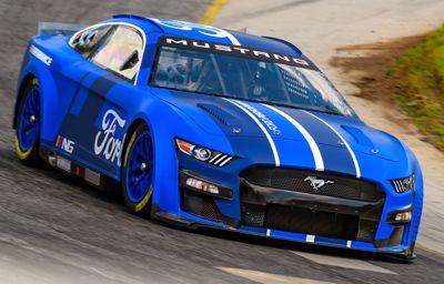 Nowa generacja Mustanga w NASCAR. Nowoczesny wygląd i imponujące technologie