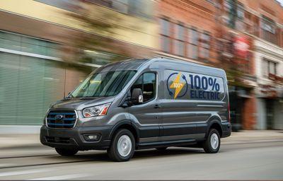 W pełni elektryczny Ford E-Transit.