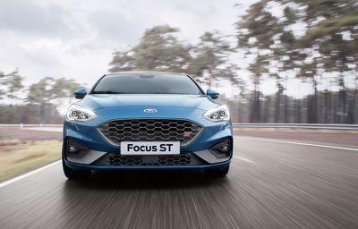 Nowy Ford Focus ST łączy osiągi godne toru wyścigowego z codzienną funkcjonalnością.