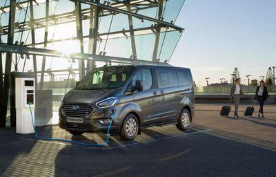 Ford Tourneo Custom - przestronny, komfortowy, uniwersalny i zeroemisyjny