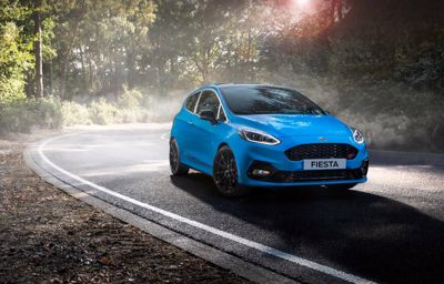 Ford Fiesta ST Edition - z nowym ładunkiem emocji dzięki regulowanemu podwoziu i wyjątkowej stylizacji.