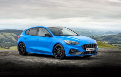 Ford przedstawia fanom sportowych osiągów Focusa ST Edition, wyposażonego w regulowane zawieszenie