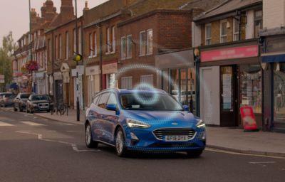 Tablica 'RoadSafe' Forda pomoże kierowcom unikać zagrożeń, dzięki danym z pojazdów skomunikowanych