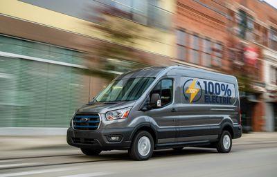 Nowy Ford E-Transit w pełni elektryczny - napędza przyszłość firm