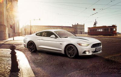 Ford presenterar två nya Mustang-versioner – Black Shadow Edition och Blue Edition
