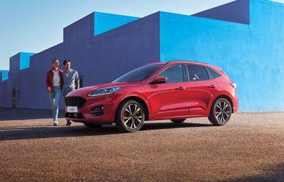 Nya Ford Kuga Plug-In Hybrid - Privatleasing nu från 3 895 kr/månad
