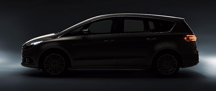 Ford presenterar nya S-MAX
