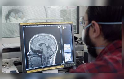 """Fords hjärnforskning kan vara nyckeln till att snabbare identifiera när förare """"stänger av"""" vid ratten"""