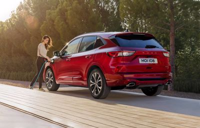 Nya Ford Kuga PHEV var Europas bäst säljande laddhybrid under första halvåret