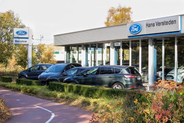 Ford Autobedrijf Hans Versteden BV Locatie Best aan de buitenkant