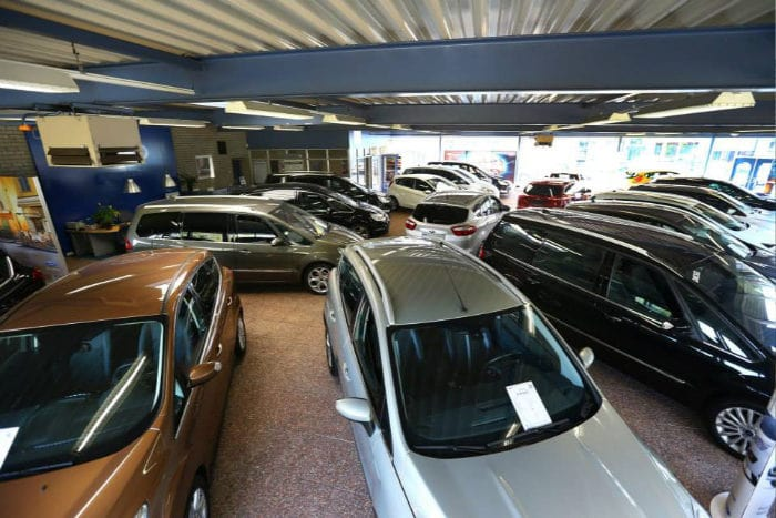 Ford Autobedrijf Hans Versteden BV Showroom in Best