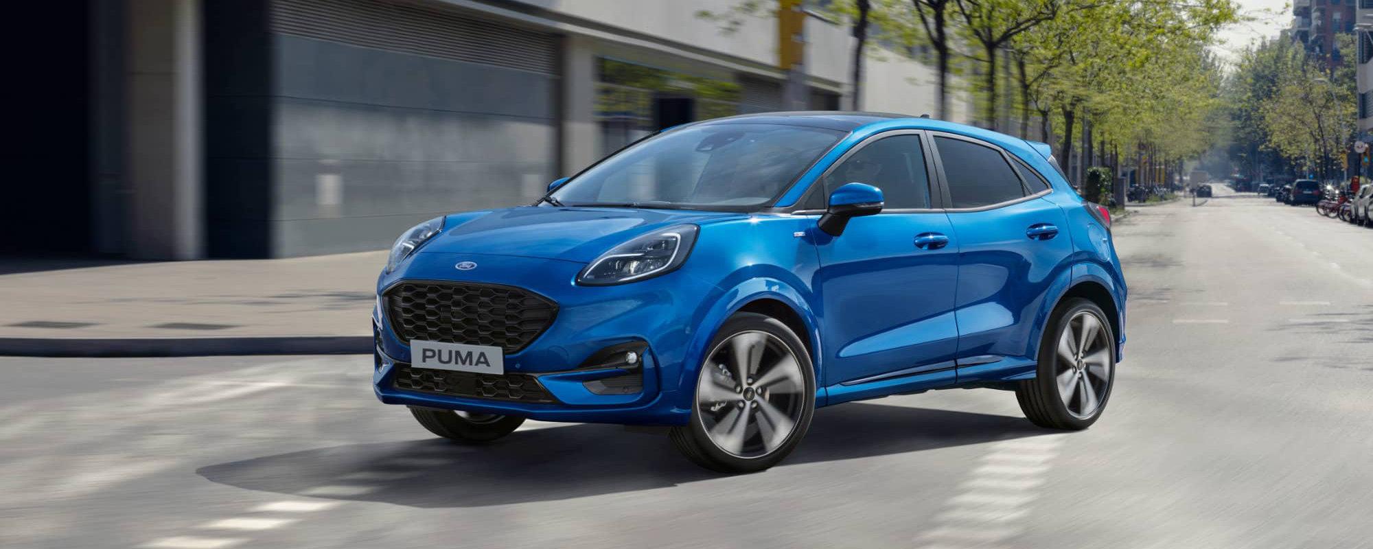 Blå Ford Puma
