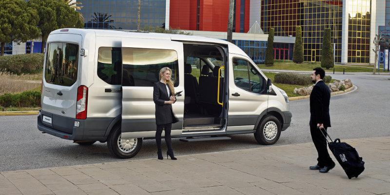 Transit minibuss