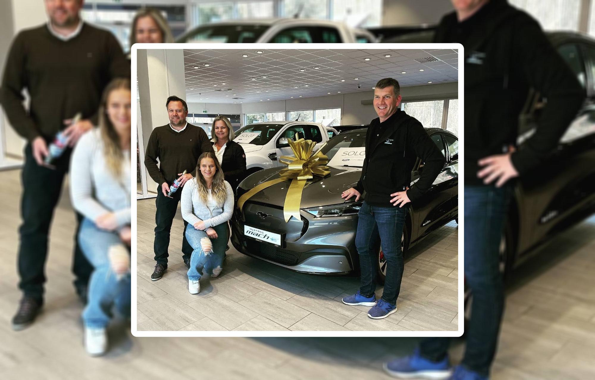 Første leveringer av nye Mustang Mach-E hos Hovrud Auto