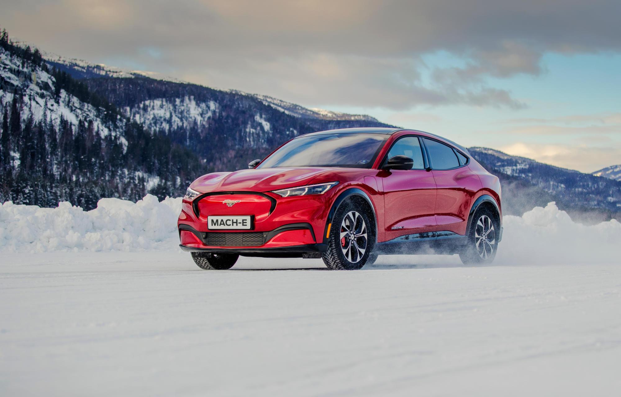 Fantastisk mottakelse for nye Mustang Mach-E i mange biltester